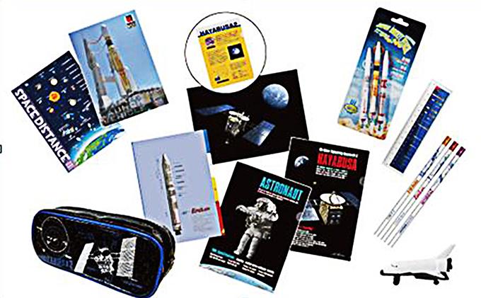 ロケット文具セット(ペンケース、シャープペン、学習帳など)