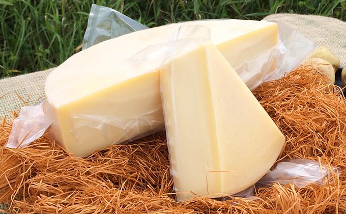 北海道美深町きた牛舎 牧場のラクレット2.4kgセット