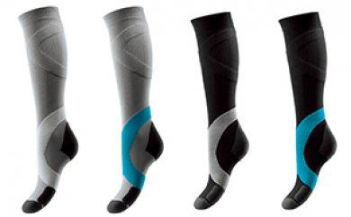 筋の活性化と足関節の安定をもたらす弾性ソックス4足セット(S)