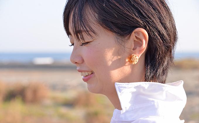 徳島県那賀町のふるさと納税 木×小花 樹脂イヤリング