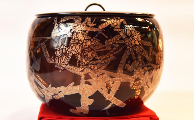 黒淡金銀彩水指(ガラス製の茶道具)