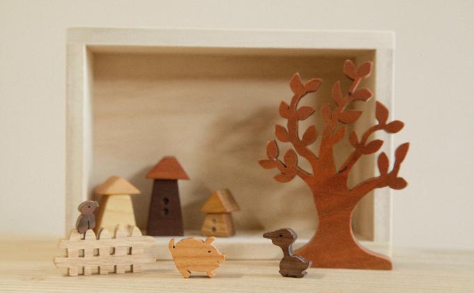 あそべる木のインテリア 木の動物や家のミニチュア