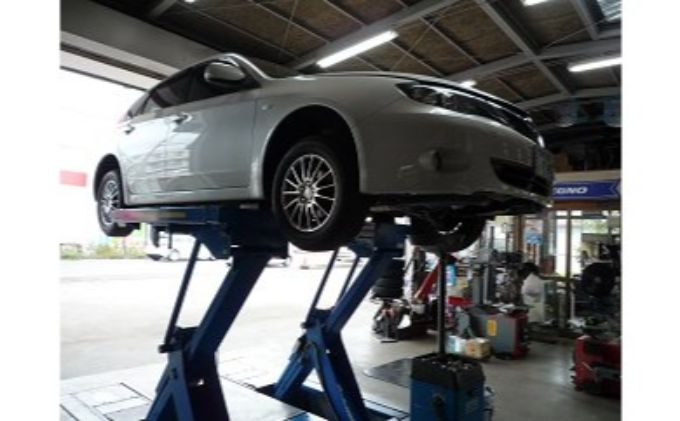 16インチ以上またはSUV(スポーツ用多目的車)のタイヤ交換および保管