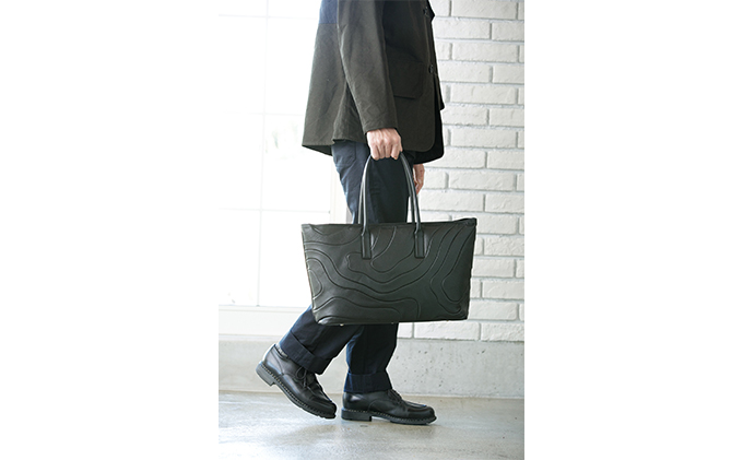 イタリアンレザー  ワイドトートバック[鞄]