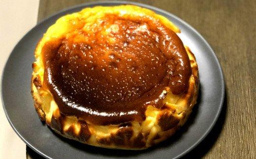 【四国一小さな町のお菓子屋】bon appetit バスク風チーズケーキ