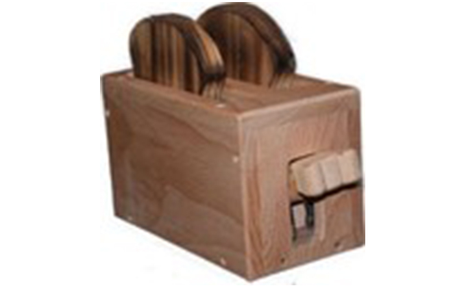 手作り木のおもちゃ パンが飛び出すトースター