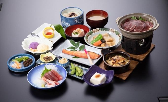 1-N刺身猪鍋と豆腐会席3名宿泊券