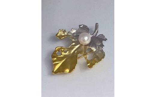 本真珠 彩 ブローチ 桑の葉 ゴールド